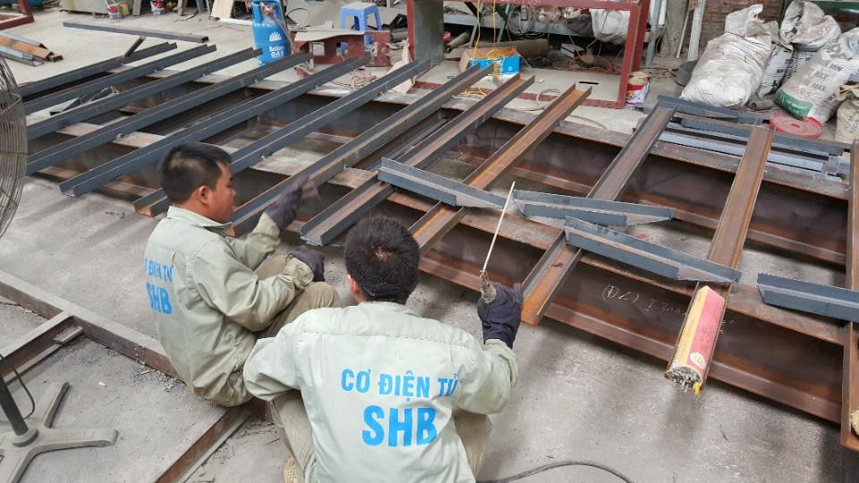 Quy trình sản xuất cầu dẫn xe nâng SHB