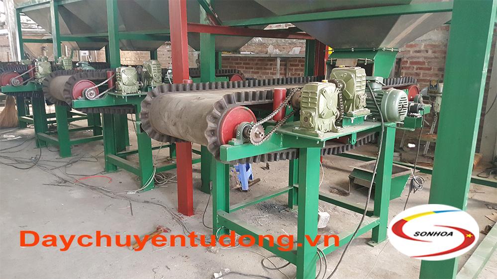Máy cân định lượng trục vít tải TRO BAY trong sản xuất Xi Măng