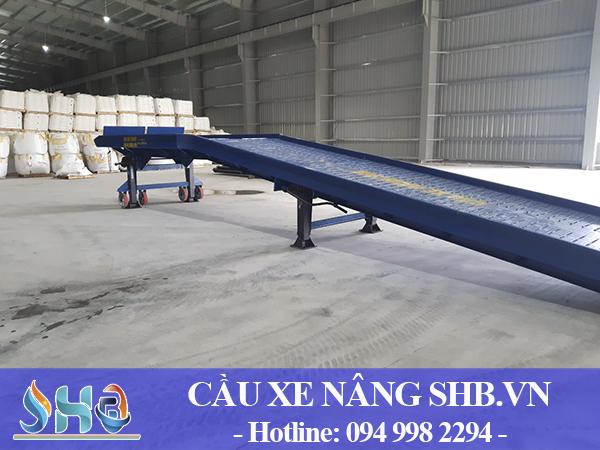 Lắp đặt cầu dẫn xe nâng 10 tấn tại Hà Nam