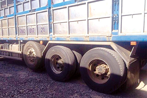 Dòng xe được thiết kế có 5 trục bánh xe nhưng khi lưu thông thì chỉ sử dụng 4 trục