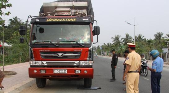 TP.HCM xử lý gần 19.000 lượt xe chở quá tải trọng
